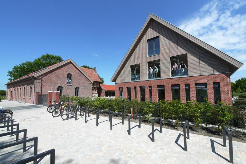 03_Haupthaus_Radpark.jpg